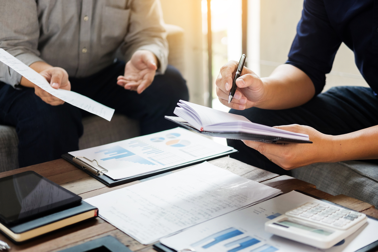 公司簽的合同是歸誰保管與登記