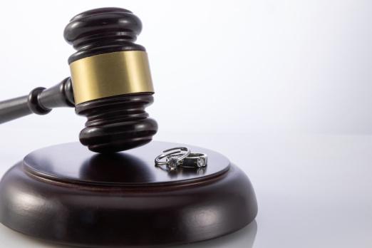 職務侵占罪立案屬于自訴案件嗎